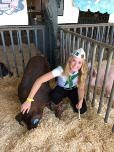 Alexa and her Duroc hog, Bessy, at the Napa Town & Country Fair (photo:  Lisa Adams-Walter)